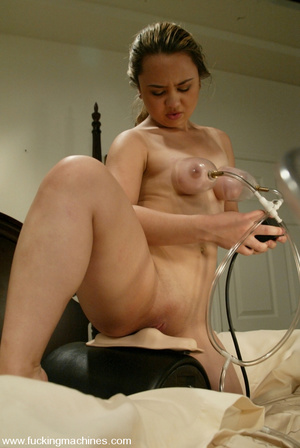 Girls on sex machines. Fucking Machines. - XXX Dessert - Picture 14