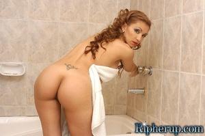 Rough sex. Latina teases handyman until  - XXX Dessert - Picture 2