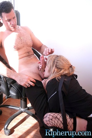 Hard fucked. Stud tears off hot blondes  - XXX Dessert - Picture 10