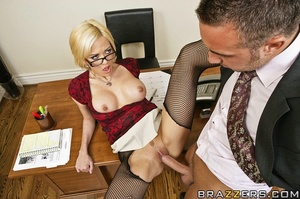 Sexy secretary. Jenny wants a part of th - XXX Dessert - Picture 10
