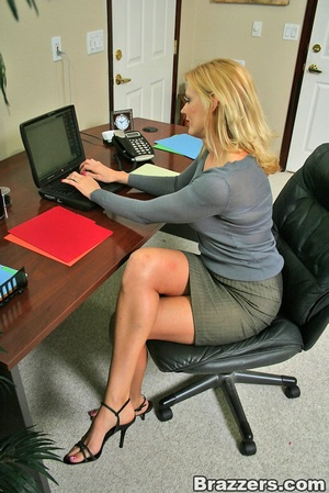 Xxx office. Hot and busty coworkers gett - XXX Dessert - Picture 2