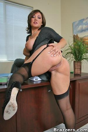 Big titties. Claire Dames still closes s - XXX Dessert - Picture 3