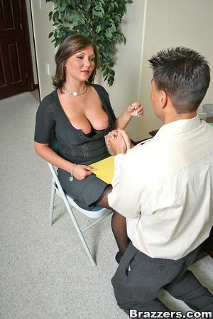Big titties. Claire Dames still closes s - XXX Dessert - Picture 4