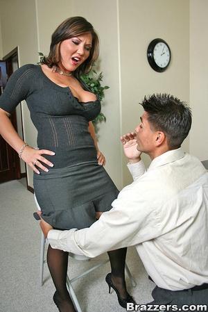 Big titties. Claire Dames still closes s - XXX Dessert - Picture 5