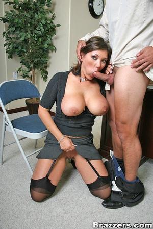 Big titties. Claire Dames still closes s - XXX Dessert - Picture 6