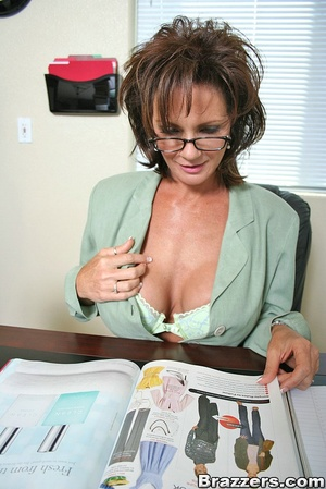 Office fuck. Deauxma takes young mans fa - XXX Dessert - Picture 4