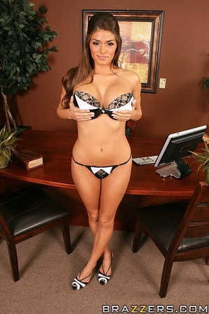 Biggest boobs. Madelyn Marie fucks her w - XXX Dessert - Picture 3