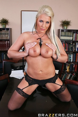 Massive tits. Busty slut gets her pussy  - XXX Dessert - Picture 4