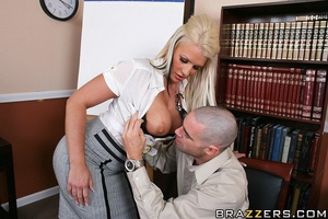 Massive tits. Busty slut gets her pussy  - XXX Dessert - Picture 7