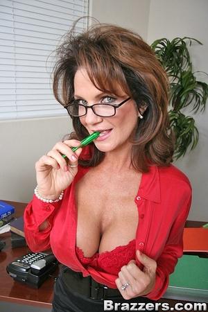 Secretary sex. Office Babe gets her brai - XXX Dessert - Picture 2