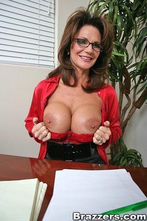 Secretary sex. Office Babe gets her brai - XXX Dessert - Picture 3