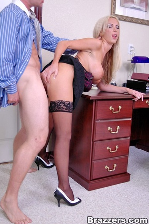 Sex at office. Busty Nikki Benz really w - XXX Dessert - Picture 12