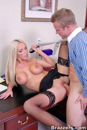 Sex at office. Busty Nikki Benz really w - XXX Dessert - Picture 14