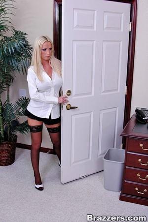 Horny secretary. Nikki Benz going anythi - XXX Dessert - Picture 2