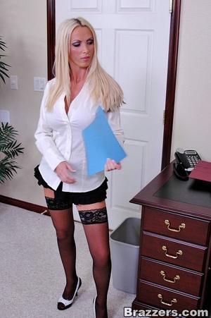 Horny secretary. Nikki Benz going anythi - XXX Dessert - Picture 4