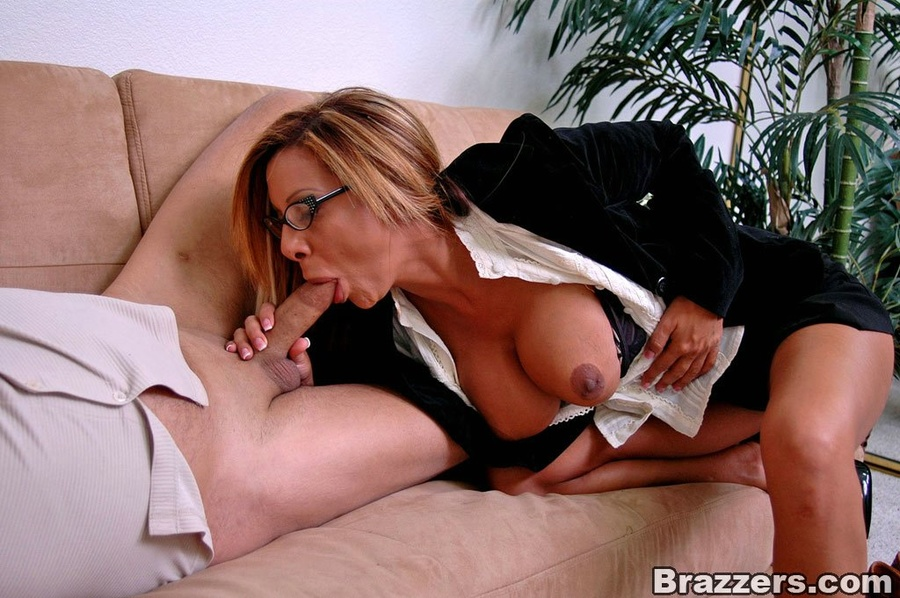 Office girls. Demi Delia and her big tits i - XXX Dessert - Picture 6