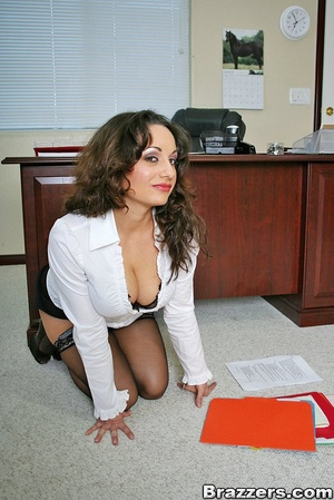 Biggest boobs. Big titted office secreta - XXX Dessert - Picture 4
