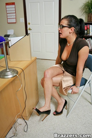 Office girl. Hot office chick with big b - XXX Dessert - Picture 2