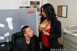 Massive tits. Isis Love proves her tits  - XXX Dessert - Picture 7