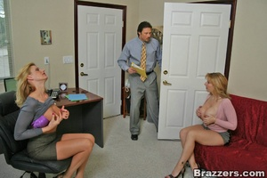 Sexy secretary. Huge titted human ressou - XXX Dessert - Picture 7