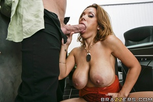 Big breast. Sienna fucks her way into ge - XXX Dessert - Picture 9