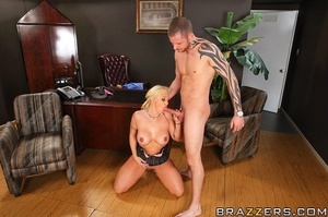 Big tit. Busty Worker getting slammed ha - XXX Dessert - Picture 9