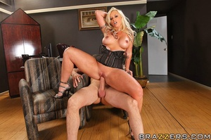 Big tit. Busty Worker getting slammed ha - XXX Dessert - Picture 14