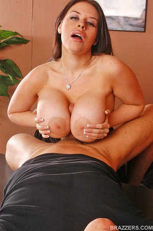 Office girls. Humongous boobed Daphne Ro - XXX Dessert - Picture 8