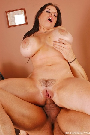 Office girls. Humongous boobed Daphne Ro - XXX Dessert - Picture 15