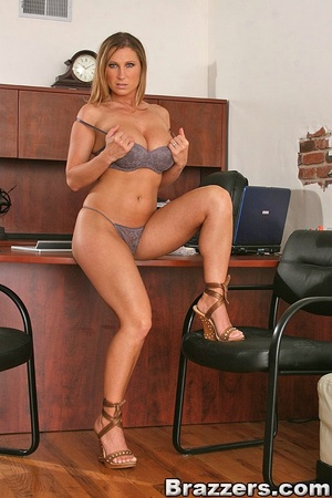 Horny secretary. Devon Lee fucks her val - XXX Dessert - Picture 2