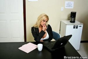 Huge boobs. Hot blonde Shyla Styles poun - XXX Dessert - Picture 4