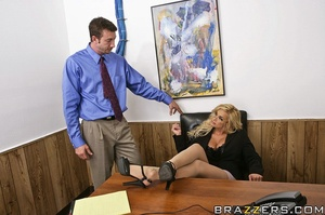 Office girl. Shyla Stylez needs wants to - XXX Dessert - Picture 5