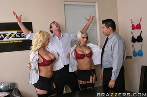 Nice tits. Kagney and Maddi take turns g - XXX Dessert - Picture 7
