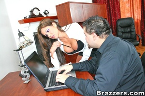 Office porn. Hunter Bryce forced into in - XXX Dessert - Picture 4