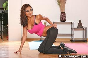 Huge boobs. Priya Rai fucks her client t - XXX Dessert - Picture 2
