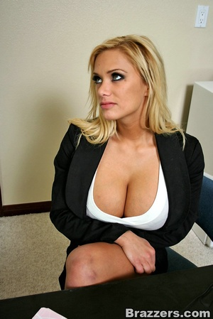 Sexy secretary. Hot blonde Shyla Styles  - XXX Dessert - Picture 5