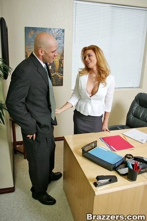 The office xxx. Busty secretary getting  - XXX Dessert - Picture 3