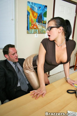 Huge boobs. Busty office girl Tory Lane  - XXX Dessert - Picture 4