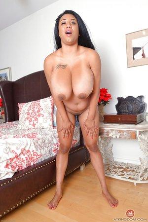 American huge boobs beautiful pussy
