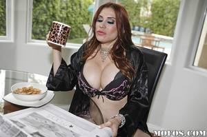 Mom porn. The big homie Brotha Jon Jon i - XXX Dessert - Picture 4