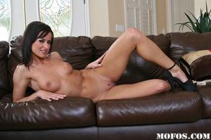 Hot milf porn. Cecilia passes by Jody Br - XXX Dessert - Picture 3