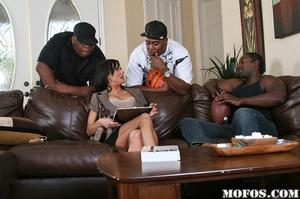 Hot milf porn. Cecilia passes by Jody Br - XXX Dessert - Picture 5