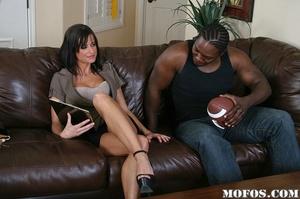 Hot milf porn. Cecilia passes by Jody Br - XXX Dessert - Picture 6