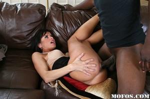 Hot milf porn. Cecilia passes by Jody Br - XXX Dessert - Picture 11