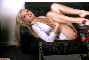 Classic retro porn. Natural blond with f - XXX Dessert - Picture 1