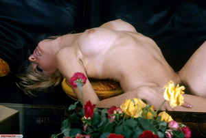 Classic retro porn. Natural blond with f - XXX Dessert - Picture 5
