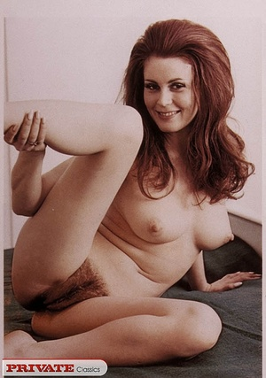 Old porn. Hairy seventies girls showing  - XXX Dessert - Picture 2