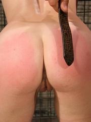 Roughsex. Laurah the caged willing pet got - Unique Bondage - Pic 4