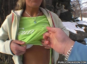 18 young xxx. Hot girl in the park looki - Picture 7