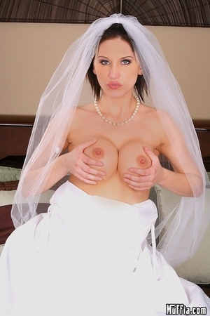 Big dicks. Mindy main cheats on her wedd - XXX Dessert - Picture 1